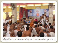 Agnihotris discussing in the benign presence of His Holiness